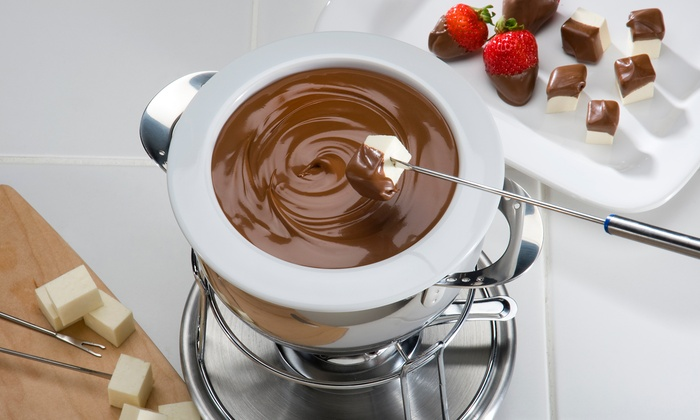 Disiac Lounge - Midtown: Cheese or Chocolate Fondue and Sangria or Wine for Two or Four at Disiac Lounge (Up to 48% Off)
