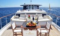 Paseo en yate de 3 horas para 2 personas con aperitivos y bebidas por 59,90 € con Las Románticas Luxury Yacht