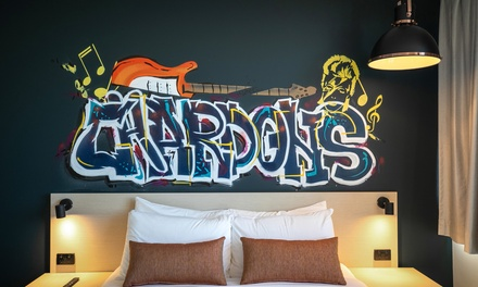 Brisbane: Up to 3 Nights for Two People with Breakfast, Late Check-Out and Parking at Chardons Corner Hotel
