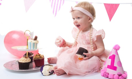 Cake Smash Photoshoot with Print at Momento Photography