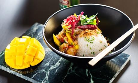 Menú o menú Deluxe para 2 personas con bebida y principal en Tuk Tuk (con 40% de descuento)