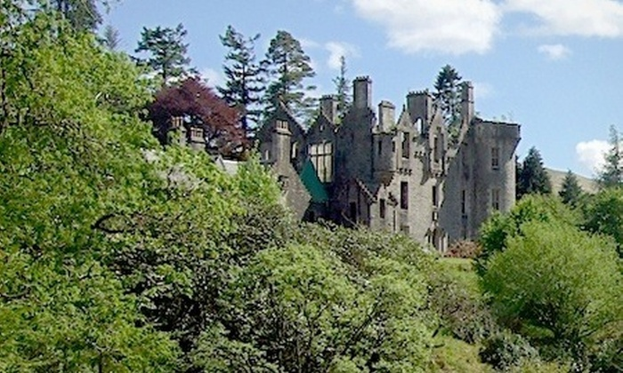Dunans Castle: Kjøp retten til å titulere deg Lord eller Lady. Fra 129 kr. Spar opptil 65%.