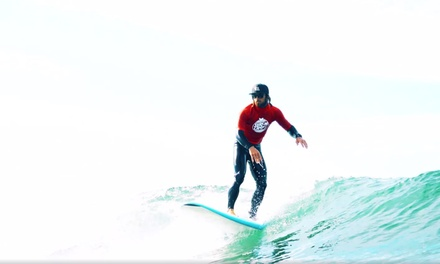 Gerroa, South Coast: 2N Surf Camp for One with Surf Lessons, Accommodation, Meals and Transfers with Surf Camp Australia