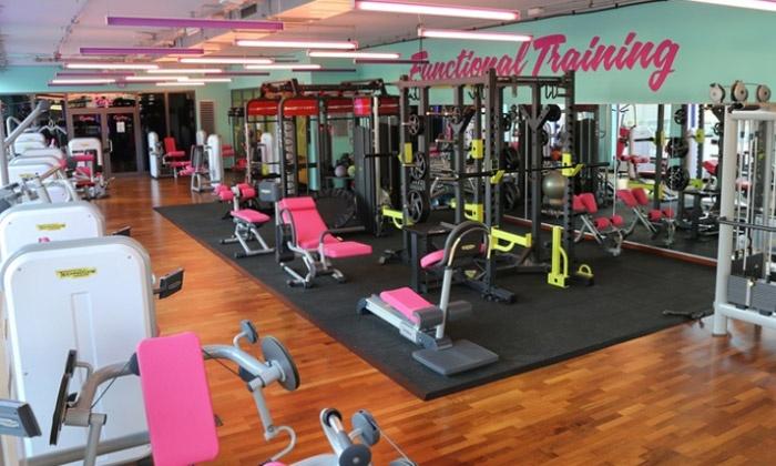 fitnessstudio nutzung getr nke pink frauen fitness groupon. Black Bedroom Furniture Sets. Home Design Ideas