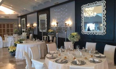 Promozione Ristoranti Groupon.it Menu Gourmet di terra con calice di vino per 2 o 4 persone al ristorante alla La Casa E Il Mare Private Bay Hotel
