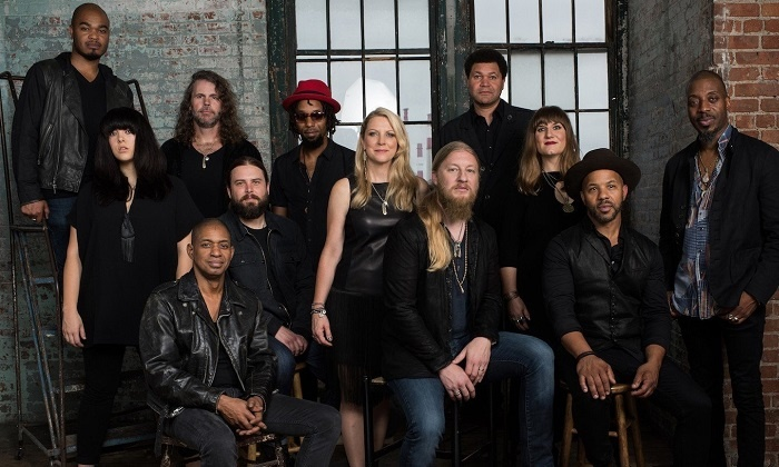 Tedeschi Trucks Band with Los Lobos & North Mississippi Allstars - Freedom Hill Amphitheatre: Tedeschi Trucks Band - Wheels of Soul 2016 on July 31 at 6:30 p.m.