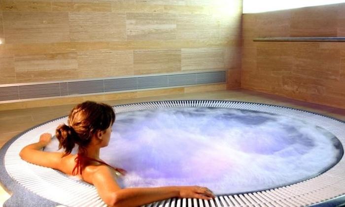 Hyltor Spa - Hotel Hyltor: Circuito de hidroterapia para dos personas con opción a masaje relajante desde 12,95 € en Hyltor Spa