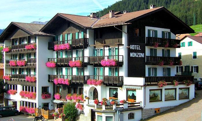 STE - Hotel Monzoni (Pozza di Fassa) a Pozza di Fassa, TRENTO ...