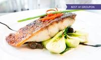 Menu gourmet con specialità di mare, vino e selezione di liquori per 2 o 4 persone al Ristorante 704 (sconto fino a 60%)