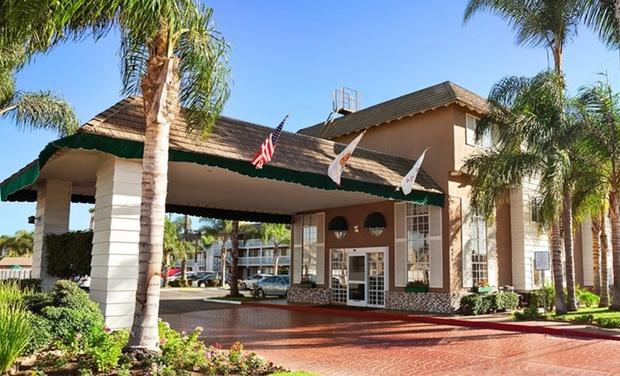 Ramada Inn And Suites Costa Mesa Newport Beach Costa Mesa
