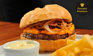 Kharina Casual Food: Hambúrguer Handyman, Cheddar, Rock, Classic Burger ou Hard Rock + fritas no Kharina Casual Food – 4 endereços