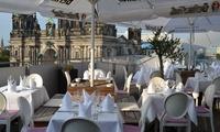 Berliner King-Size-View Currywurst mit Steakhouse-Pommes für 2 oder 4 auf den Humboldt Terrassen (bis zu 45% sparen*)