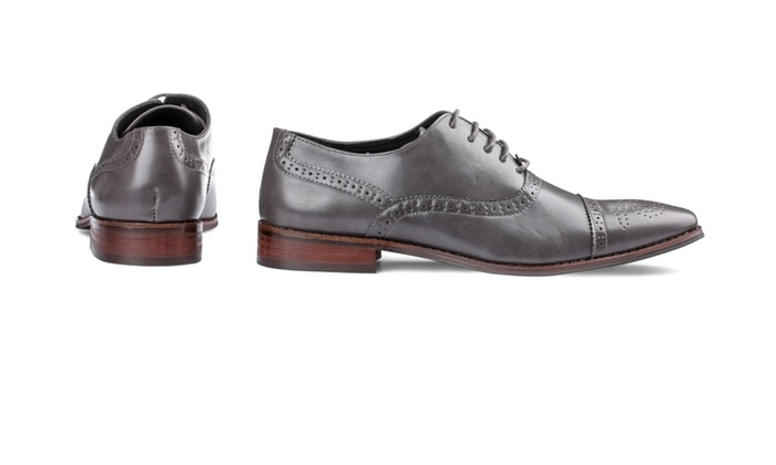 845e8ee7e9e Up To 81% Off on Signature Men's Oxford Shoes | Groupon Goods