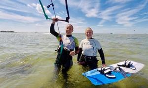 Kitesurf Guide: 4 Stunden Kitesurf-Kurs für Anfänger am Termin nach Wahl (April-Oktober 2018) bei Kitesurf Guide (58% sparen*)