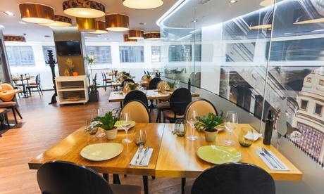 Menú para 2 con entrante, principal, postre y bebida en El Gato Canalla-Hotel Indigo (hasta 56% de descuento)