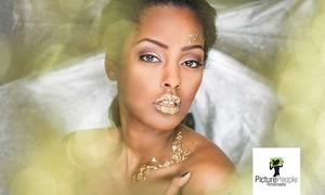 PicturePeople (Zentrale): Deluxe-Fotoshooting mit Ausdruck und Make-up in allen teilnehmenden Filialen von PicturePeople (bis zu 73% sparen*)