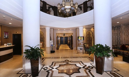Sharjah: Summer Stay for Up to Four with Option of Breakfast, Half Board at 4* Al Hamra Hotel