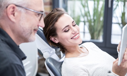 1 o 2 implantes dentales de titanio con revisión, diagnóstico, radiografía y limpieza bucal desde 489 € en Más Q Dientes