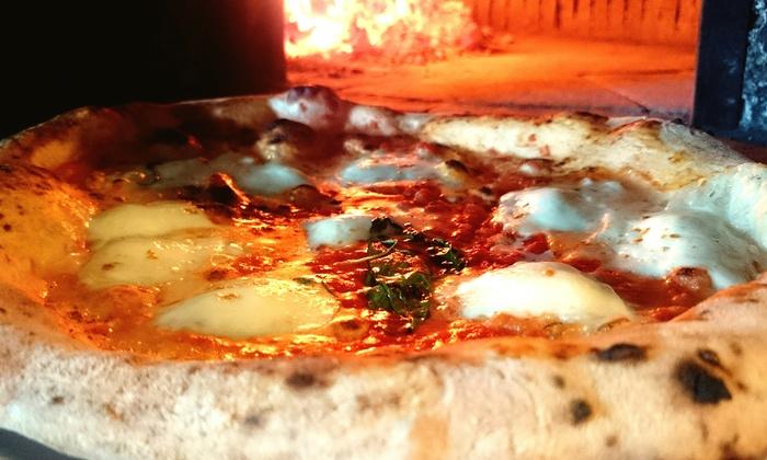 Ristorante Squisito le gourmet  - Squisito le Gourmet: Menu pizze a metro o panuozzo, con maxiantipasto e birra da Squisito Le Gourmet in centro (sconto fino a 72%)