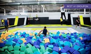 Jump Arena: Jump Arena - park trampolin: wejście dla 2 osób od 17,99 zł i więcej opcji – 3 lokalizacje