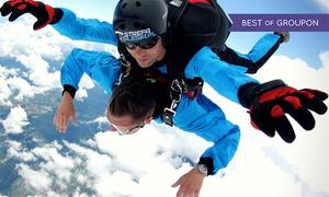 Strefa spadochronowa BALTIC: Skok w tandemie z 4000 m z wideofilmowaniem za 764,99 zł ze Strefą Spadochronową Baltic
