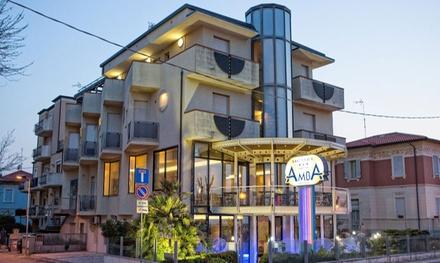 Rimini: pobyt 8-dniowy (7 nocy) w hotelu przy plaży