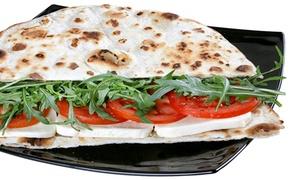 YACHT BAR - BAR GELATERIA PIZZERIA: Aperitivo o menu piadina per 2 o 4 persone sul lago di Garda da Yacht Bar (sconto fino a 64%)