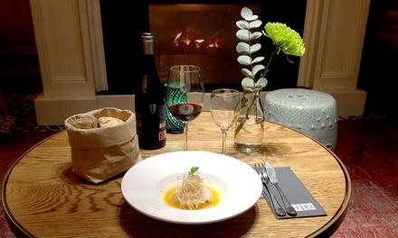 Menú degustación de 6 pasos para dos personas con botella de vino por 39,95 € en Boutique Hotel H10 Villa de la Reina
