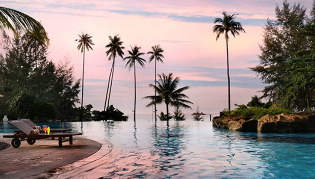 Bintan: 4* Nirwana Resort + Ferry 4