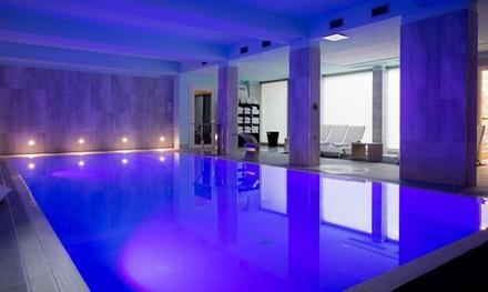 Percorso spa per due con cascate cervicali, piscina,bagno turco, sauna e massaggi in centro a Firenze da Forte Plus