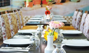 Restaurant Nirvana: Brunch All-You-Can-Eat und türkischer Tee für zwei, vier oder sechs Personen im Restaurant Nirvana (bis zu 41% sparen*)