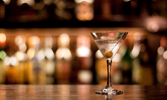 New York Academy of Bartending - East Farmingdale: 16- or 40-Hour of Bartending and Mixology Course at New York Academy of Bartending (Up to 60% Off)