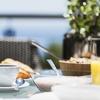 Frühstück mit Kaffee oder Tee