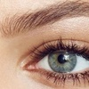 Maquillage semi-permanent des sourcils