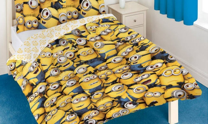 parure de lit double les minions groupon shopping. Black Bedroom Furniture Sets. Home Design Ideas