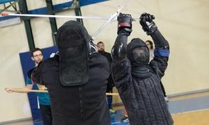La Sala delle Armi - Scuola di Arti Marziali Storiche Europee: 5 o 10 lezioni di arti marziali e scherma medievale per 2 persone da La Sala delle Armi (sconto fino a 83%)