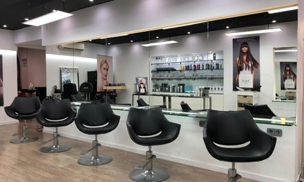 Sesión de peluquería vegana con opción a tinte y/o mechas desde 19,99 € en Makers Barcelona Estilistas