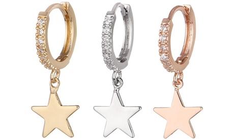 Pendiente individual con una estrella colgante y cristales de circonio