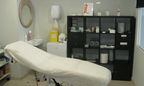 Sesión de tratamiento facial con 1 o 2 viales de ácido hialurónico en zona a elegir desde 119 € en CEMEI