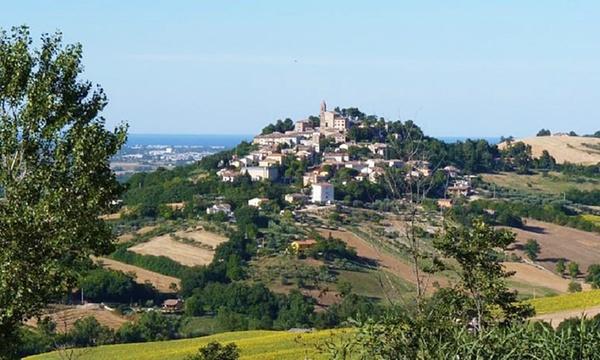 Pesaro E Urbino Fino A 3 Notti Con Colazione E 1 Calice Di Vino Per 2 Persone Al Borgo Monte Maggiore