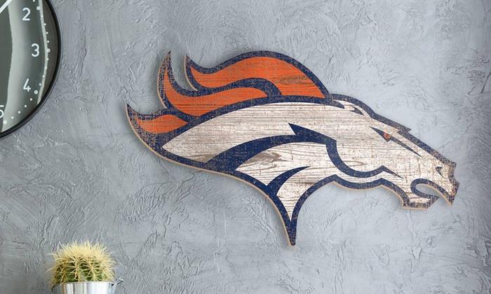 "NFL 23.5"" x 23.5"" Distressed Team Logo Sign"