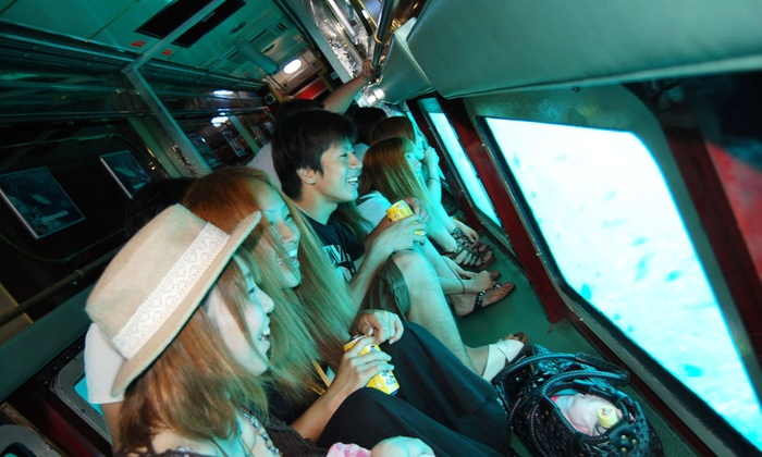 ウェストマリン - ウェストマリン: 【最大50%OFF】可愛いトロピカルフィッシュが住む沖縄の海を、大型船で探検しよう≪大型水中観光船オルカ号で行く水中観光クルーズ/大人用 or 小人用≫ @ウェストマリン