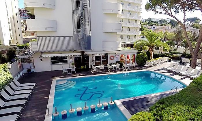 Planik Travel - Lloret de Mar: Hiszpania-Costa Brava: przedpłata na 13 dni wczasów dla 1 osoby z transportem, 7 nocy w hotelu z wyżywieniem i więcej