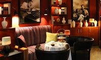 Afternoon Tea mit Etagere und optional Champagner für 1 oder 2 Personen in der Library Lounge des The Charles Hotels