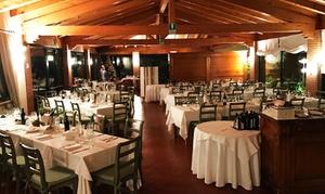 Villa degli Olmi: Menu alla carta di 4 portate e vino per 2 o 4 persone al Ristorante Villa degli Olmi della catena Biasio (sconto 51%)