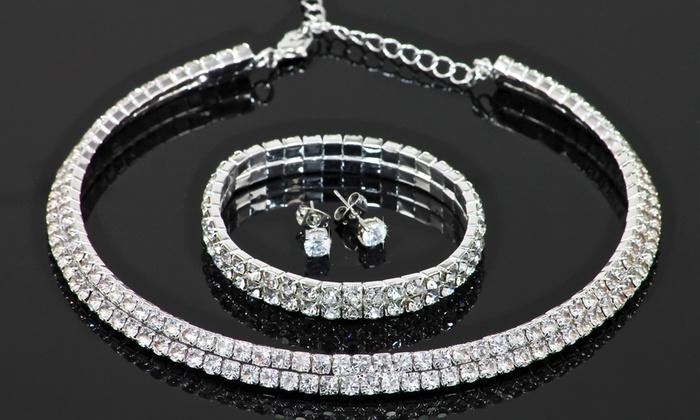 Groupon Goods Global GmbH: 1 o 2 parure composte da collana, orecchini e bracciale decorati con cristalli Swarovski®