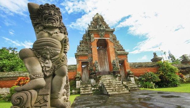 Bali: 4* Private Pool + Flights 9