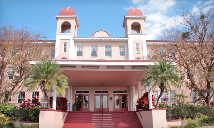 Kenilworth Lodge - Sebring, FL: Two-Night Stay with Breakfast at Kenilworth Lodge in Sebring, FL