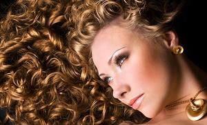 Sesión de peluquería con mascarilla de queratina, tratamiento y corte por 14,95€ y con tinte, mechas o todo desde 19,95€