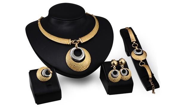 Parure de bijoux de la marque BTIME ornée de cristaux Swarovski®